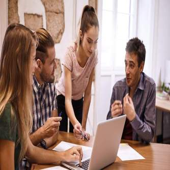 CSHG Alumni promueve: II Debate de Formación Hotelera